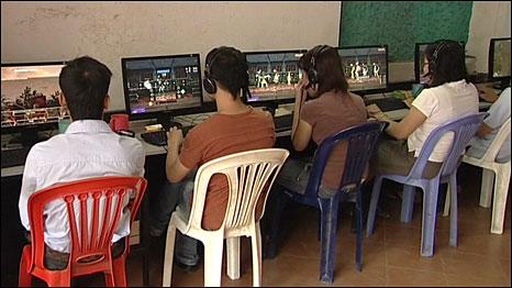 Hơn 1/3 giới trẻ VN giờ đây thường xuyên lướt mạng