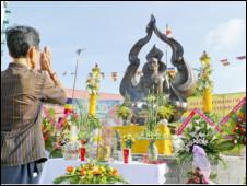Tượng đài Bồ tát Thích Quảng Đức ở Quận 3, TP HCM
