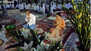 Chủ tịch Thein Sein và phu nhân