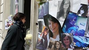 Homenaje a Agnès Marin en la entrada de su casa