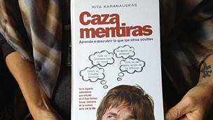 """""""Caza-mentiras"""", por Rita Karanauskas"""