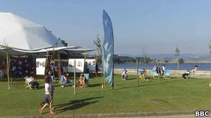 Tenda da Cúpula dos Povos, no Aterro do Flamengo, Rio de Janeiro (Foto: BBC)