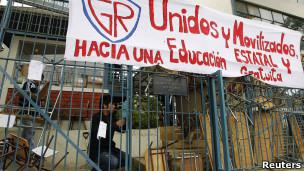 Cierre de una escuela en el marco de la protesta estudiantil en Viña del Mar