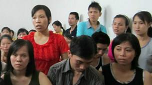Công nhân Việt Nam ở xưởng may Vinastar hồi tháng 7/2012