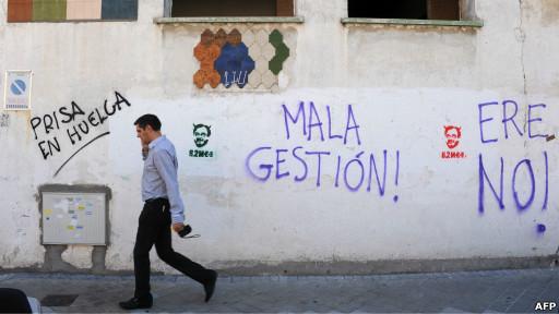 Grafitis de protesta por los despidos