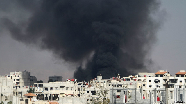 Humo en Damasco tras un ataque con aviones MiG
