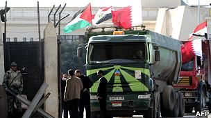 camiones en el paso de Rafah, Gaza