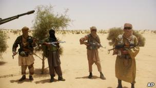 Militantes do grupo islâmico Ansar Dine (Foto: AP)
