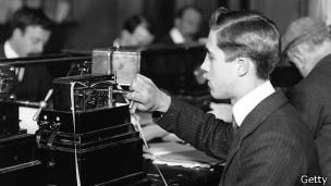 Operador de telégrafo británico en 1909