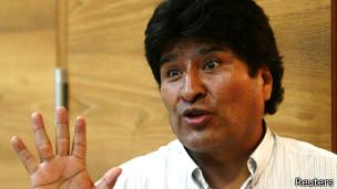 Evo Morales en el aeropuerto de Viena