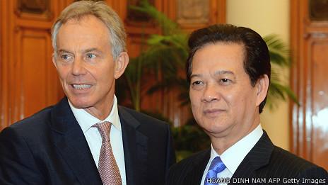 Ông Tony Blair và Nguyễn Tấn Dũng hồi tháng 10/2012