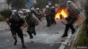 Enfrentamientos en Grecia entre manifestantes y la policía
