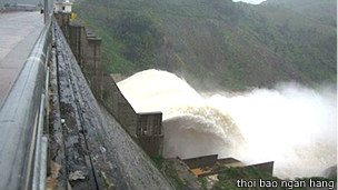 Thủy điện Sông tranh 2 xả lũ