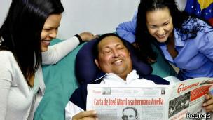 La última foto de Chávez, desde Cuba, en febrero de 2013
