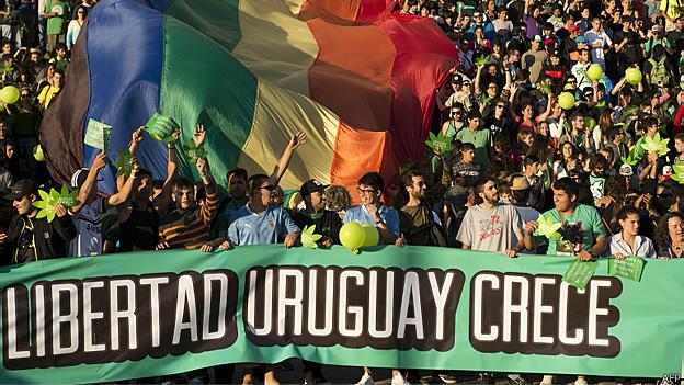 Uruguayos a favor de la marihuana