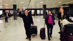 Vợ chồng TS Hà Vũ tới Mỹ