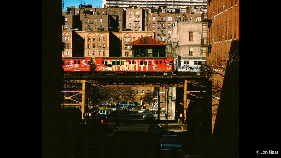 Tren pintado por STAY HIGH 149