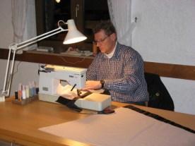 Stephan konzentriert am Werk