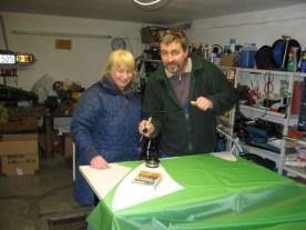 In der Garage mussten Heischneidearbeiten erledigt werden