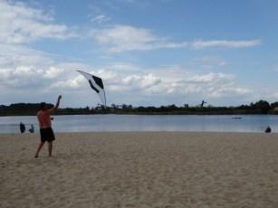 Nullwindfliegen am Strand