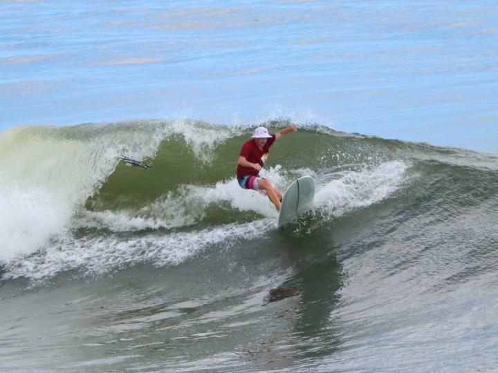 Серфинг на Бали спот Медеви