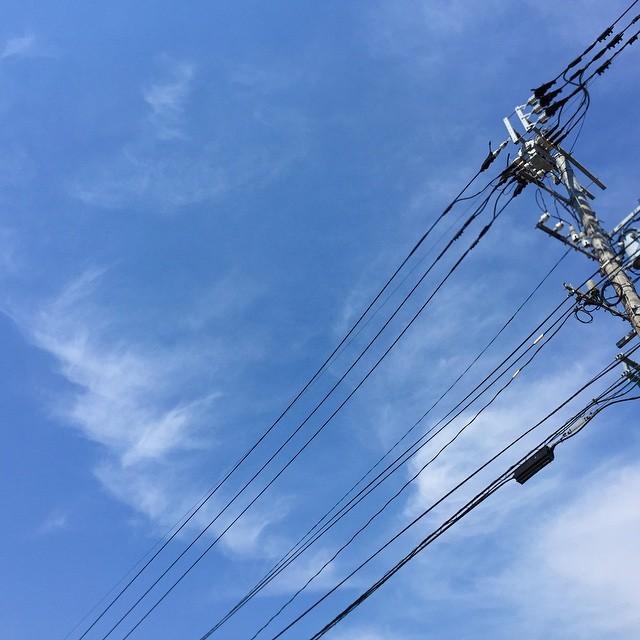 今日はすごく暑いけど、雲はまだ夏じゃないな。#イマソラ #mysky #sky #blue #fine #cloud