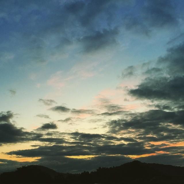 おはよう。みなさんの今日が良き日でありますように。#イマソラ #mysky #sky #sunrise #morning