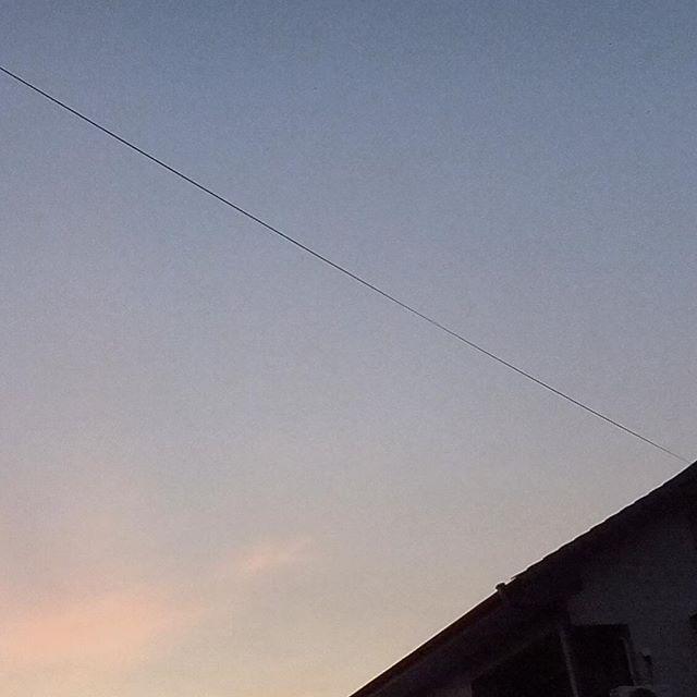今朝は寒いくらいに、秋を思わせた。田舎にはちゃんと秋が来たらしい。昼との差が激しすぎるので、今日もぐったり。#イマソラ #mysky #sky #fine #sunset #暑