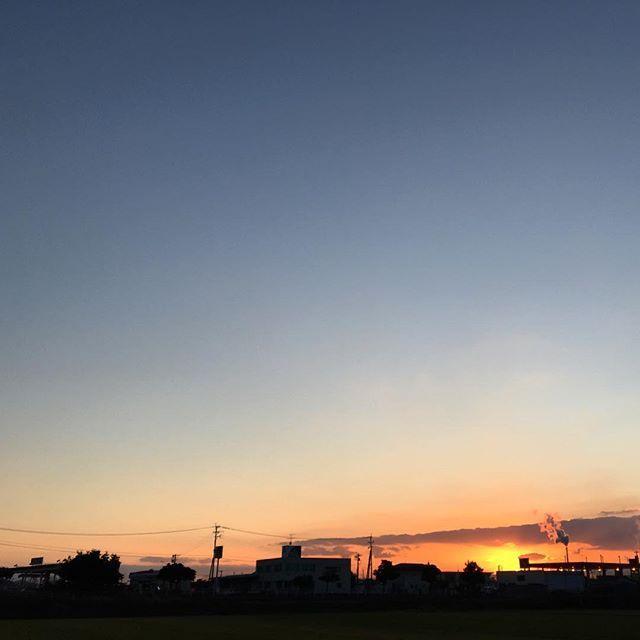 ここのところ忙しいのですが、今日も無事に終わりました。明日もよろしく。#イマソラ #mysky #sky #sunset #fine