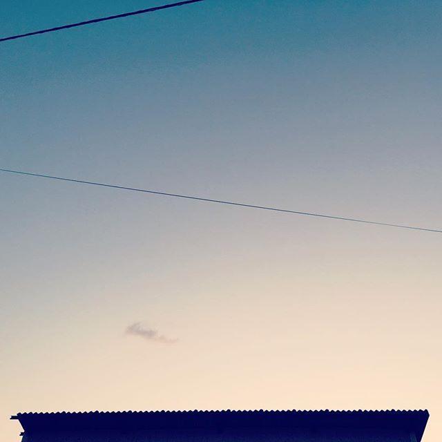今日は不調。そんな日もあるさ またあした。#イマソラ #mysky #sky #sunset #roof #line #cloud