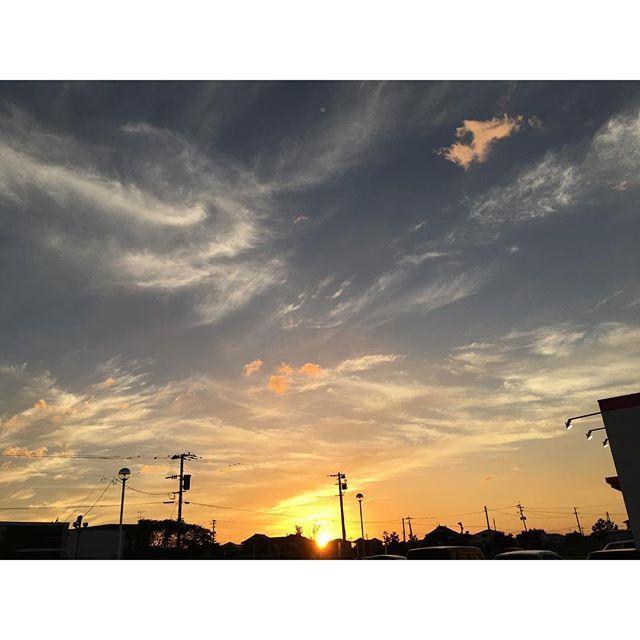 今日は本当にきれいな夕空だなあ。#イマソラ #mysky #sky #sunset #fine #cloud s #sun #orange