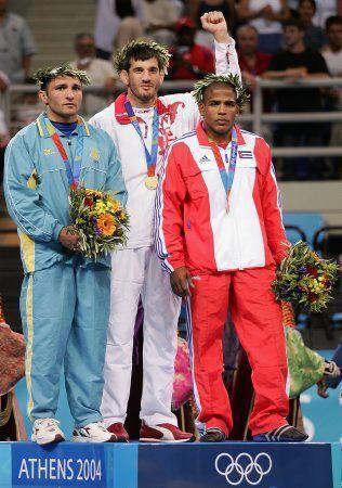 Еще через четыре года на Олимпийских Играх в Афинах Бувайсар завоевал вторую золотую олимпийскую медаль.