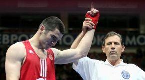 Бетербиев: думать о переходе в профи буду после ОИ