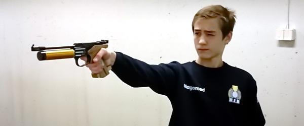 Борец Магомед Эдаев отличился в стрельбе