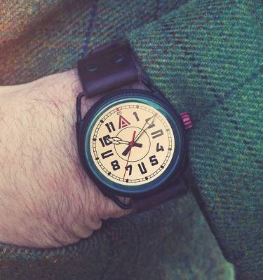 WW1 Watch 'No. 1914' Jacket Wristshot Built in Britain by W. T. Author