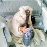 圖為收到華光功德會的睡袋的遊民p1147-a1-04