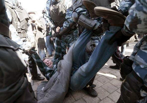 鎮暴警察以「非法集會」為由發動清場p1154-a1-05