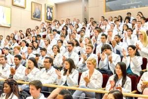 哈佛大學醫學院學生上課一景p1154-a4-04