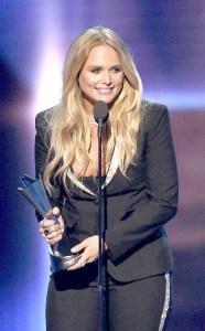 年度女歌手Miranda Lambert p1155-a8-10