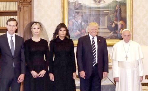 教宗與美國總統川普夫婦及第一千金伊凡卡夫婦合影 1162-a1-03