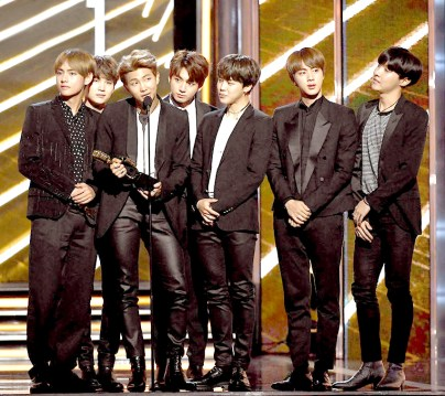韓國大勢男團防彈少年團(BTS) 拿下「年度最佳社群榜歌手」