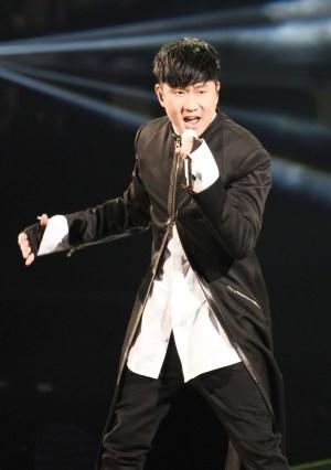林俊傑重量級開唱 一舉獲頒四獎 p1164-a8-13