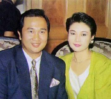 歐陽佩珊(右)與丈夫郭鋒 p1169-a8-09