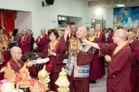 圖為蓮生法王開光加持薩迦雷藏寺壇城。