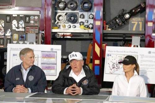 美國總統抵達德州視察風災損害情況為災民打氣