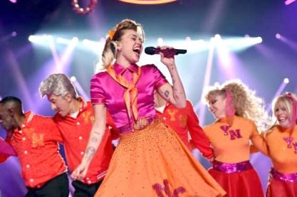 表演嘉賓Miley Curus