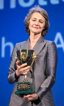 影后由夏綠蒂蘭普琳 主演的《漢娜》獲得