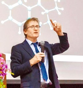 2016年諾貝爾 化學獎得主 伯納德‧法林加