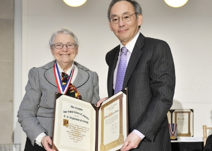 Prof. Millie receives Fermi-Award