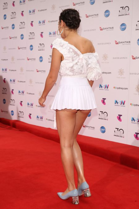 SYDNEY, AUSTRALIA - NOVEMBER 23: Charli XCX arrives for the 30th Annual ARIA Awards 2016 at The Star on November 23, 2016 in Sydney, Australia. (Photo by Caroline McCredie/Getty Images)